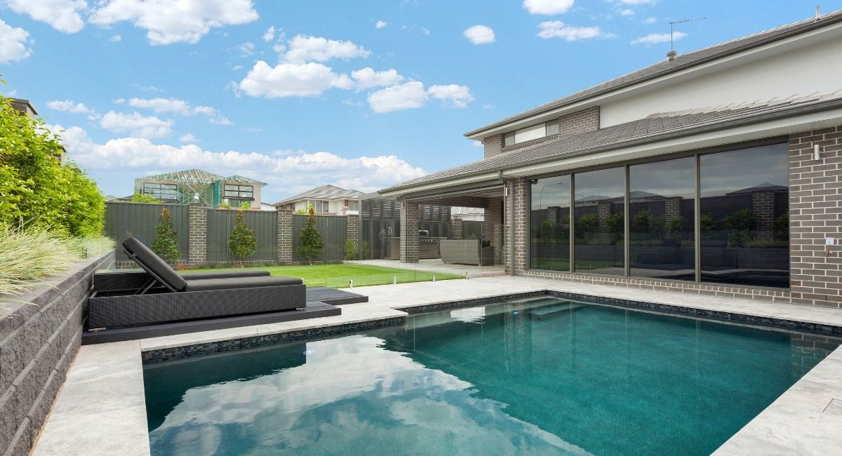 Kellyville | Concrete Pool + Landscaping | BRONZE WINNER - SPASA Pool and Landscaping Design 2018